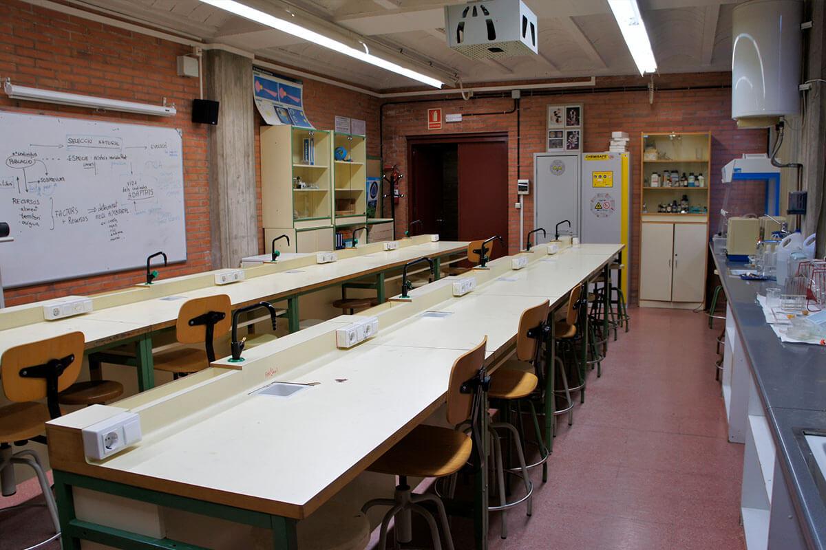 Laboratori de ciències de l'Institut Torre Vicens
